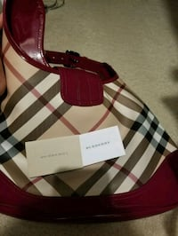 Burberry purse London, N6K 4L8
