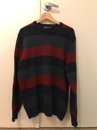 GAP Size L Sweater(like new) Vancouver, V6G