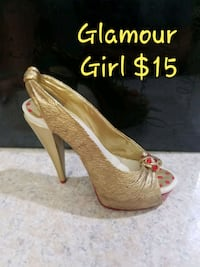 Just the right shoe miniature by Raine. FIRM PRICE Ocala, 34473