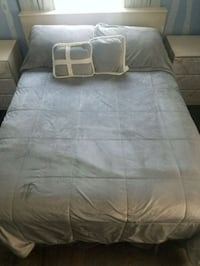 Queen size bed room set, with mattres