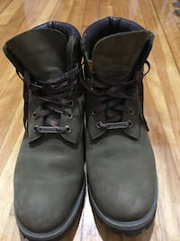 Army green Timberland premium waterproof winter boots. Size 10(for men)
