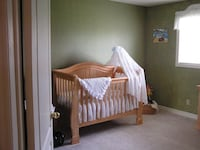 Convertible crib/daybed/double bed - natural maple Kingsville, N0P