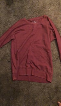 red long-sleeved shirt Millville, 25425