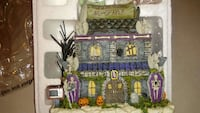Halloween 13 pc.Munster village collection 2004-05  Avoca, 18641
