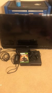 "Xbox one with Kinect and one control and black ops 3 with 32"" flat screen 2395 mi"