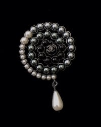 LAST ONE! Chanel pearl broach Los Angeles, 90018
