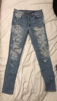 American eagle - light wash jeans  Size : 8  Edmonton, T5M 0S2