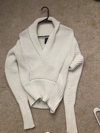 white and gray knitted sweater Jacksonville, 28540