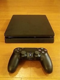 1tb sony ps4 console with 2 controllers and 2k17
