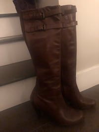Authentic Cole Haan leather boots w/Nike air soles ~ retailed $650+ Surrey, V4N 6A2