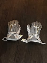 Lacrosse gloves. under armour. great shape. paid over $185 Media, 19063