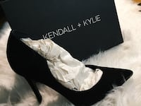 Paired black kendall+kylie pointed-toe heeled sandal with box Vaughan