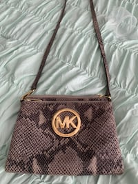 Authentic Michael kors cross body purse  Clermont, 34711