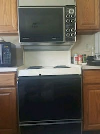 GE Top and Bottom Oven with Stovetop.  Beltsville, 20705
