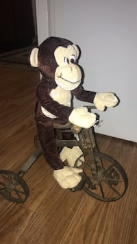 Monkey on a bike Vancouver, 98665