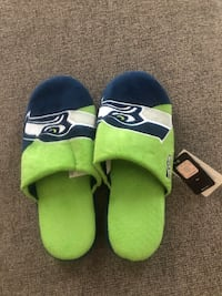 Official NFL Seahawks Slippers  NWT