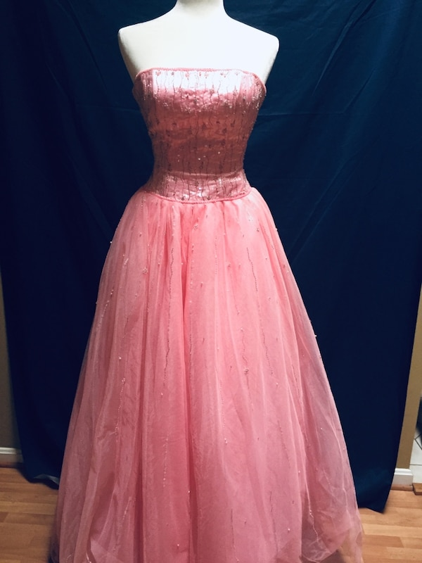 QUINCE/SWEET 16 DRESS  size 4