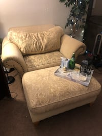 Big Comfy Lounge Chair w/ Ottoman