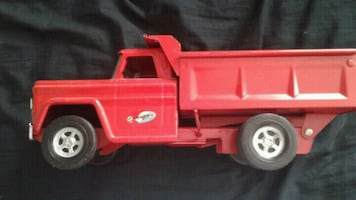 Structo red  metal dump truck !