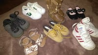 Baby shoes , different sizes. Please ask Fresno, 93702