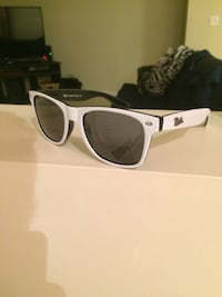 White and black ray bans  Kelowna, V1V 2V1