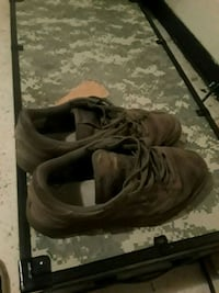 pair of brown leather shoes Clarksville, 37040