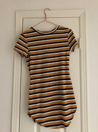 Small T-shirt dress 537 km