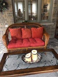 Pier1 wicker love seat GUELPH