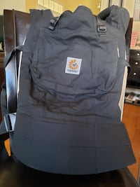 Ergobaby Carrier with Infant Insert Excellent Conditon ELLICOTTCITY