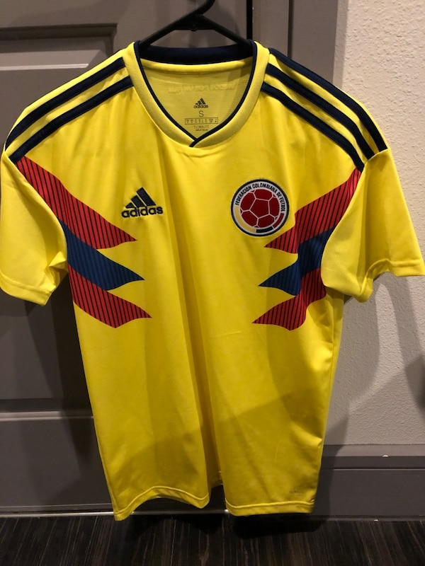 new products e7cb5 36b02 Colombia National Soccer Team World Cup Jersey- Men's Small