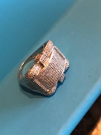 10K gold white gold diamond ring  Mississauga, L5B 3P7