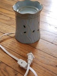 Yankee candle wax burner