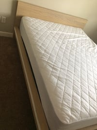 White Box spring Mattress w/queen bed Surrey, V3S 9A6