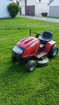 red and black ride on lawn mower Maugansville, 21767