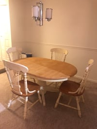 Dining table and 4 chairs Manassas, 20109