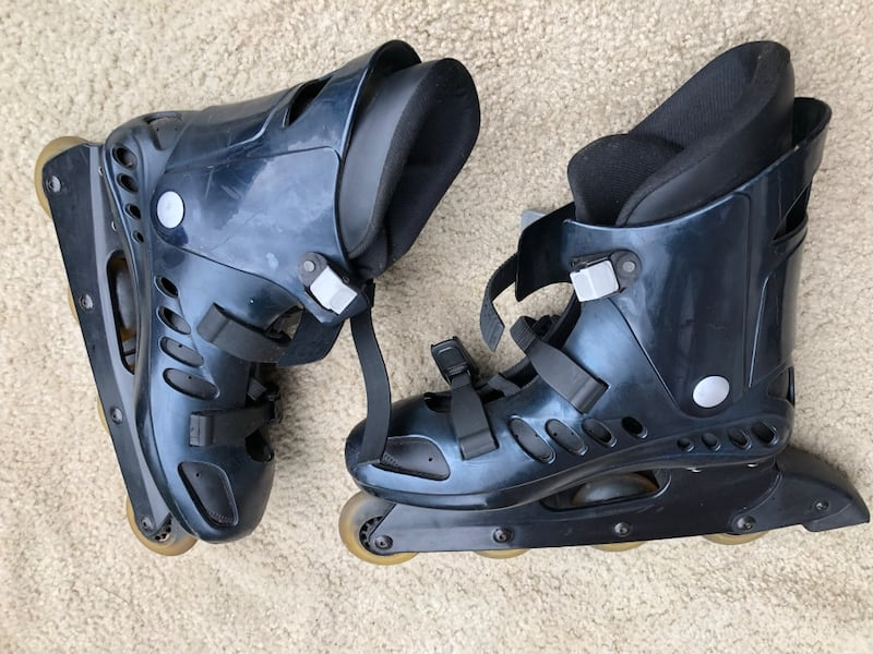 Men's size 11 Roller blades Bx 4000 by RollerDerby ef6a583e-5b3b-444f-9936-d213f65003ca