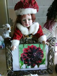 white and red dressed porcelain doll Bellevue, 68005