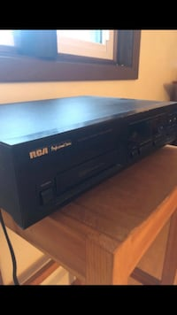 $20 OBO RCA Professional Series  CD - 9300 CD Changer. 6 Disc player
