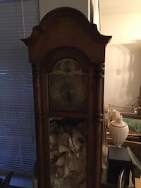 brown wooden framed grandfather clock Sterling, 20165