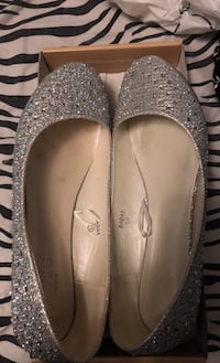 Size 11 wedding shoes - flats Mississauga, L5M