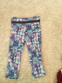 blue, white, and pink pants Langley, V2Y 2R7