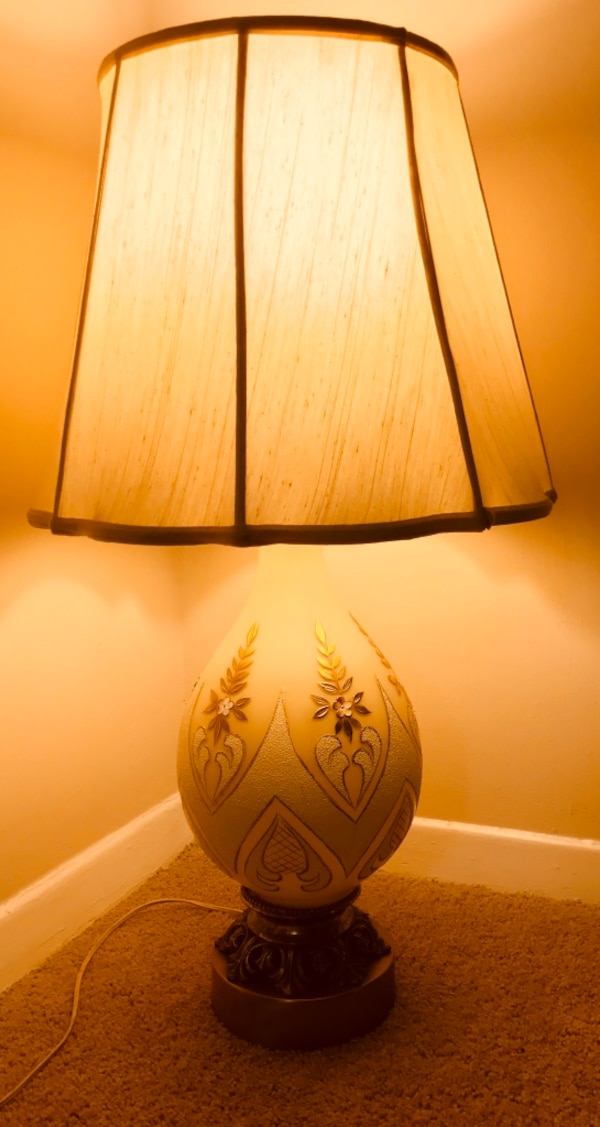 Antique Lamp 3,5 feet Copper and glass engraved in gold