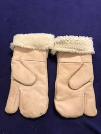 Snow Mobile Leather Mitts  Calgary, T2M 2P2