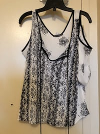 women's black and white floral tank top Mississauga, L4Y 2K1