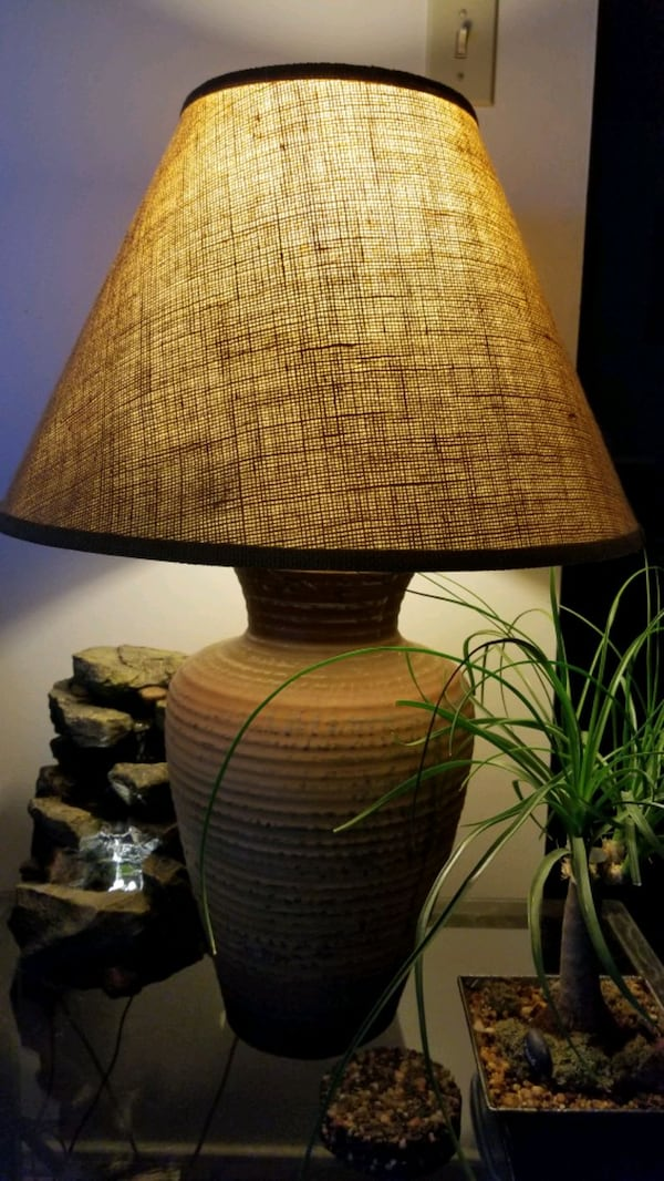 Table lamps ( pair) f4c092bf-bf16-4e6a-ad6c-428eceab0a38