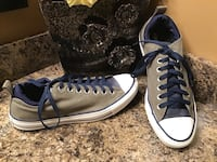 All Star Converse gray, blue, & white low top sneakers ( ps slide to see other photo ) 3122 km