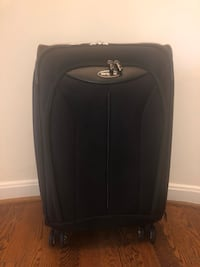 Black Samsonite Carry On Spinner Suitcase Mc Lean, 22101
