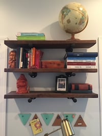 Industrial shelving 3 shelves - in excellent condition