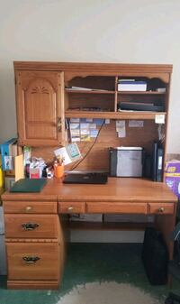 Wood desk with removable hutch Libertytown