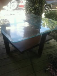 Coffee table  make offer Fresno, 93723
